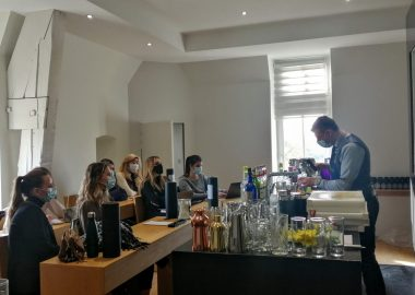 Mixology, pastry making, Hospitality Think Tank… all part of a made-to-measure workshop for our MSc students
